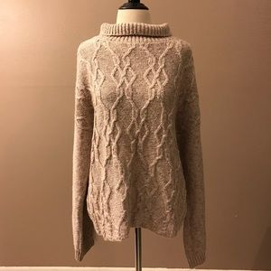 89th & Madison Long Sleeved Sweater. NWT
